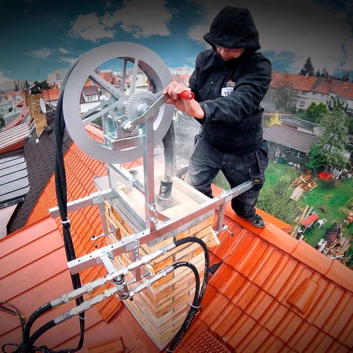 Frézování komínů v Praze hydraulickou komínovou frézou